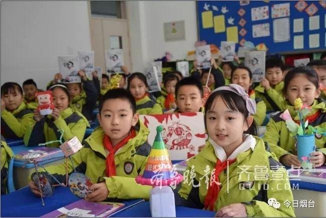 高中生开学即学习到紧张的投入中正阳新高王伟中图片