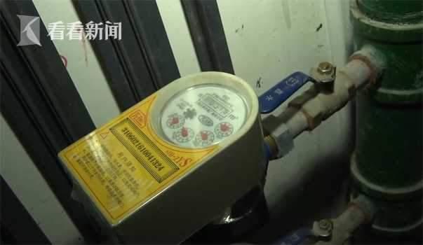 据介绍,这种情况在高层住户身上常发生,高层用户是二次加压供水,当吴