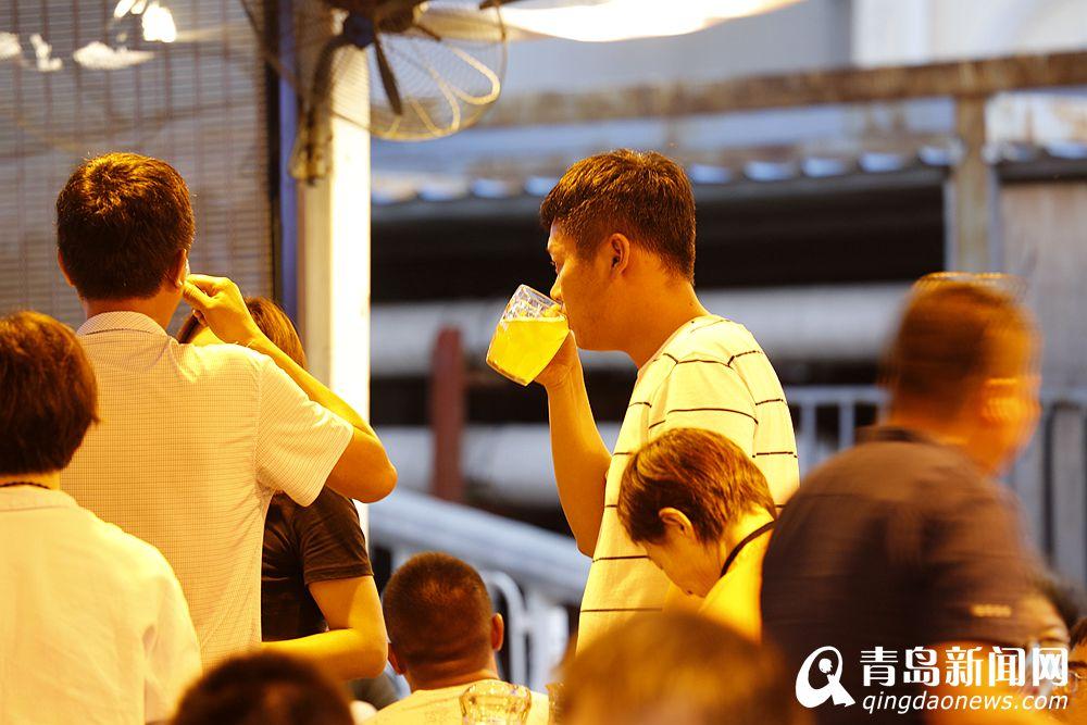 登州路领衔开启旺季模式 青岛人夏天这么喝啤酒