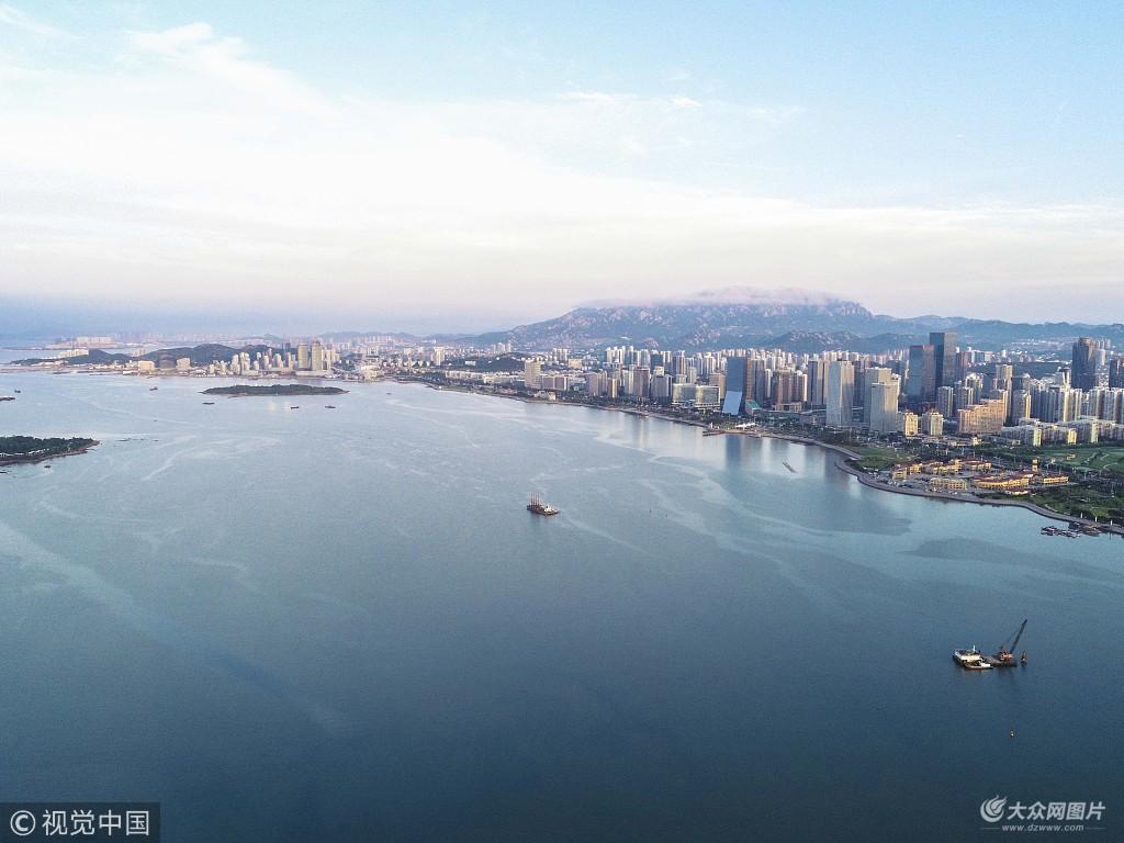 2018年7月2日,航拍青岛西海岸新区,在阳光下彰显着发展的活力.