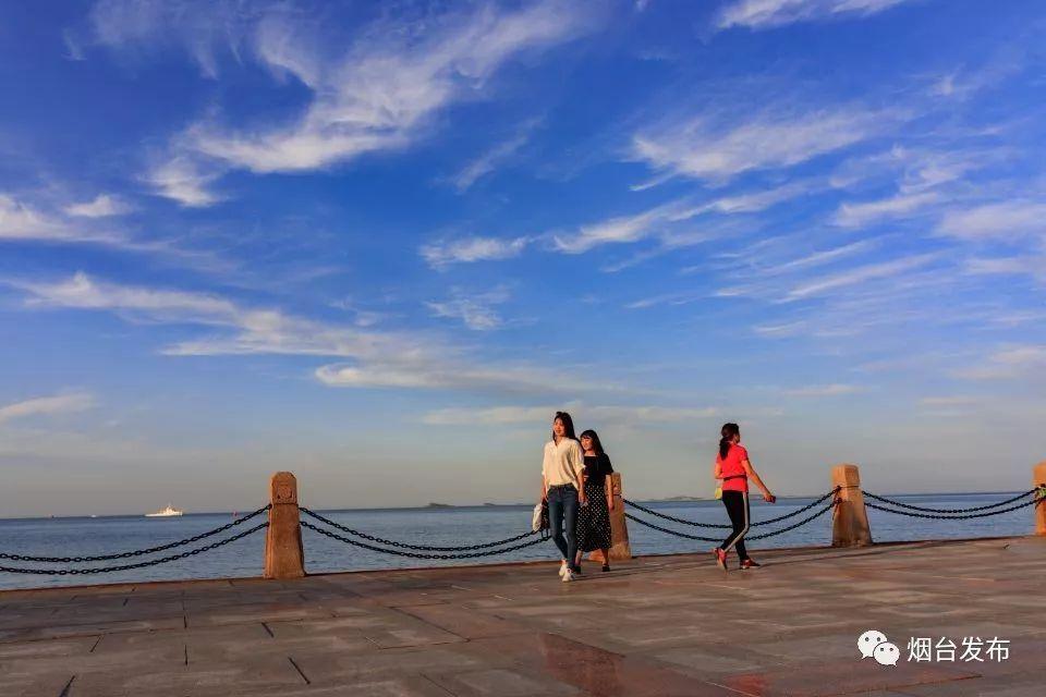 """新鲜的空气是烟台标志性的符号之一,2017年烟台市区""""蓝天白云""""天数"""