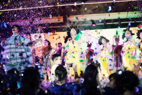 第十四届青岛啤酒节济南分会场8月3日在济南方特盛大开幕