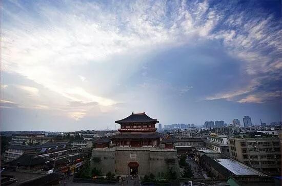 襄阳名胜古迹旅游以三国文化为主要特色,著名景点:隆中风景名胜区