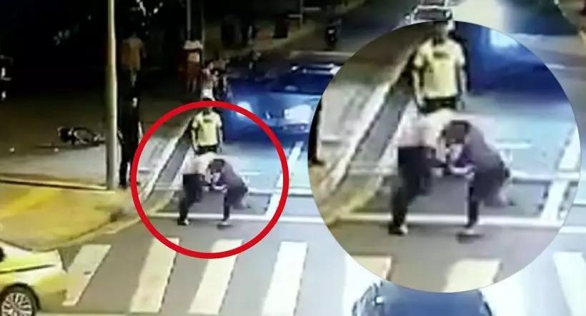 """""""宝马纹身男""""刘某某   提刀追砍骑车车主于某某   却被于某某反砍"""