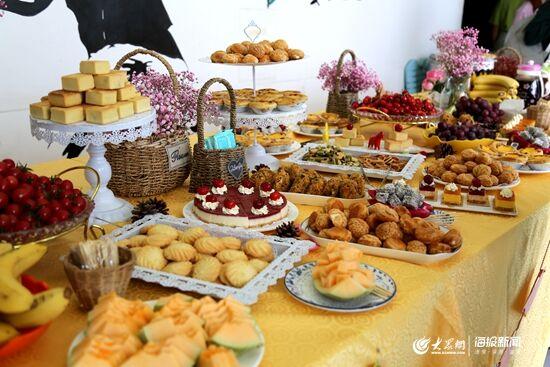 """""""5月18日下午,在济南举办的星神第三届全国特殊儿童书画艺术展暨冷餐"""