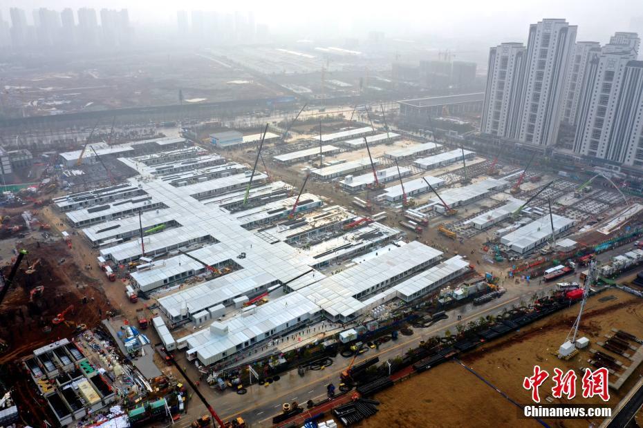 武汉雷神山医院总体进度完成约80%