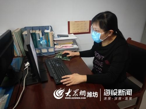 青州疾控中心抗疫一线宣传阵地上的姐妹花
