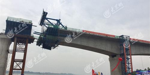 鲁南高铁沂河特大桥主体完工 7月中下旬完成架梁