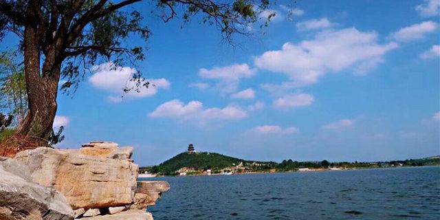 淄博文昌湖环湖半程马拉松赛21日开跑