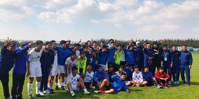 青岛队点球险胜淄博队省运会男足甲组青岛夺冠