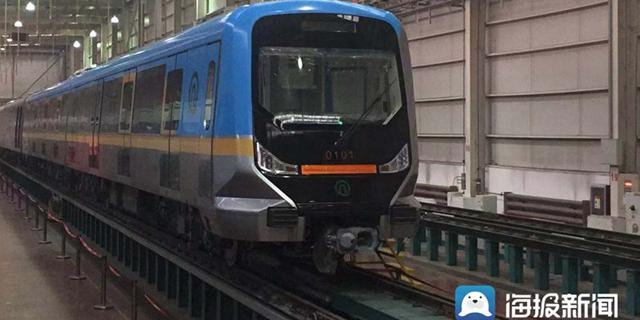新进展!青岛地铁1号线首列车开始调试 初期配备67辆列车
