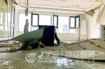"""百步亭中國MALL吊頂變""""掉頂"""",房屋質量問題引發業主擔心"""