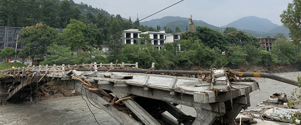 直击汶川泥石流后的水磨镇