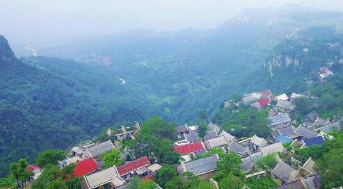 济南:悬崖上的村庄