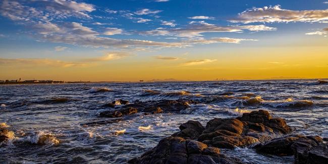 【拍客看日照】去留无意,看日照礁石公园云卷云舒