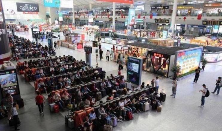 「大众网・海报新闻」济南西站7天输送旅客超60万人次,周边酒店