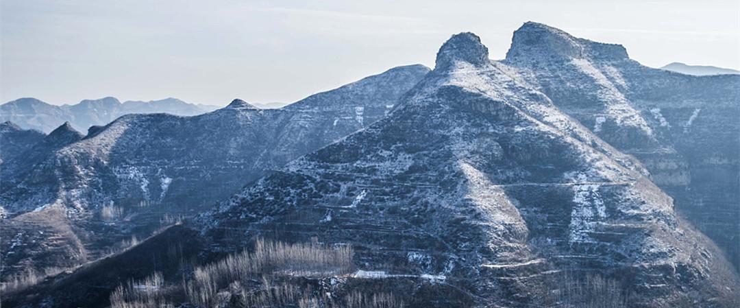 潍坊:山区迎初雪 银装素裹美不胜收