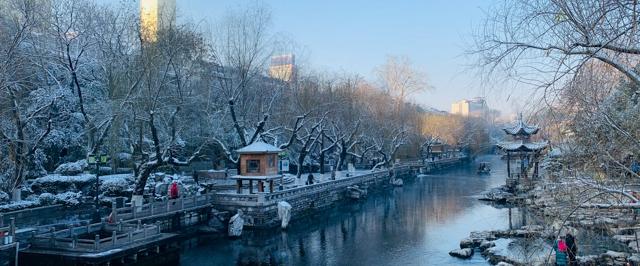 雪后初霁的泉城 银装素裹似仙境