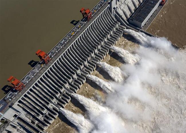 长江中上游水库群拦洪超300亿立方米