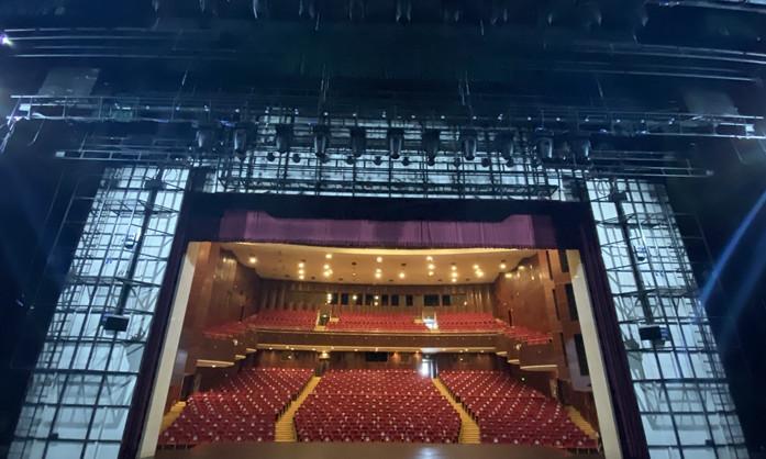 """菏泽大剧院:""""观众增多,防控不减"""" 观众人数不得超过剧院座位数的50%"""