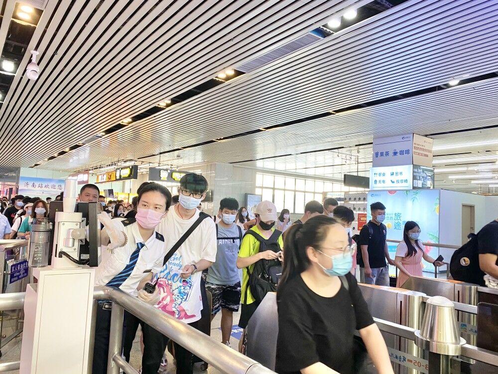 济南火车站黄金周预发送旅客60万人