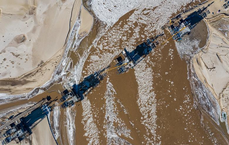 黄河即将封河 航拍流凌壮观场面