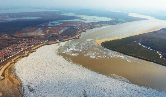 黄河济南段大面积封冻