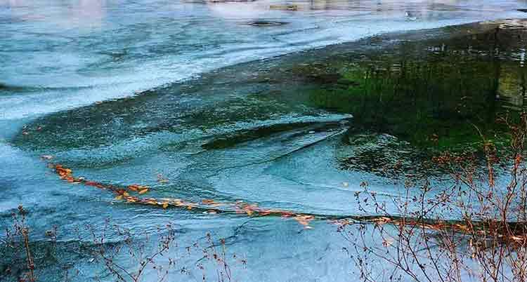 冰雕玉琢泰山彩石溪