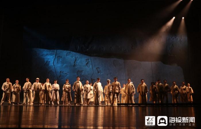 组图|大型红色音乐剧《追光者》强势来袭 快来一睹演员们的舞台风采吧