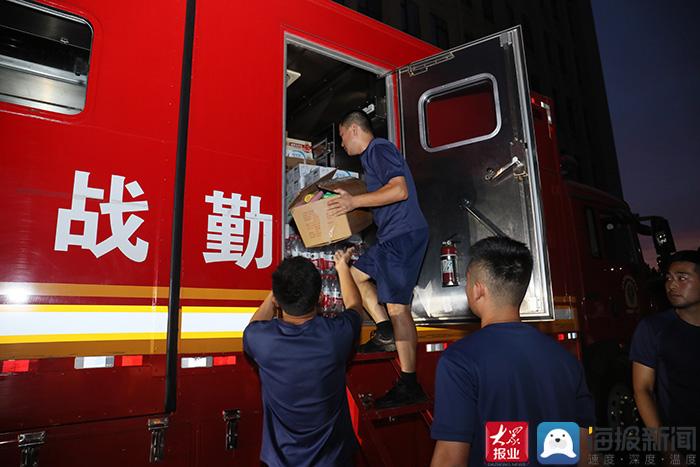 泰安市消防救援支队12辆消防车50名消防指战员出发增援河南