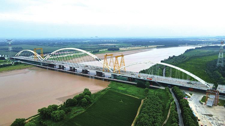 齐鲁黄河大桥主跨吊索张拉完成