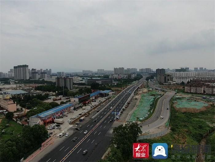 泰安长城路与岱阳大街立交桥项目长城路主干道临时开放交通