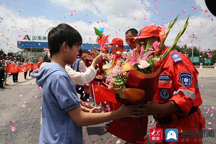 新泰市同舟公益救援服务中心完成支援河南任务凯旋 志愿者亲述细节令人泪目