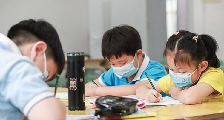 学校防控措施升级