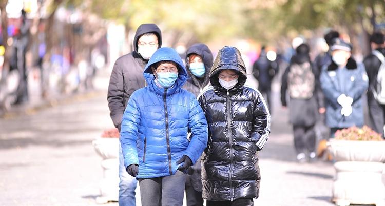 多地寒意10月中旬罕见 未来一周气温仍低迷