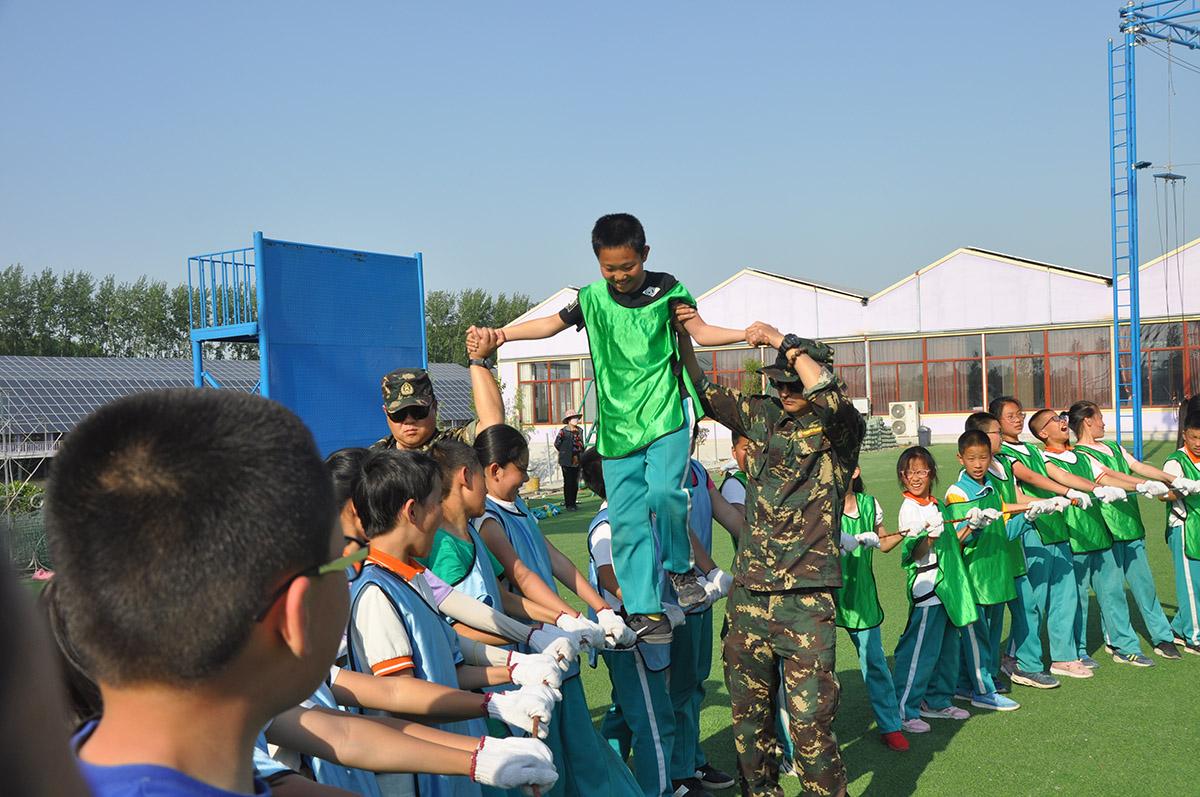 桓台县实验小学学生团队拓展提升团队素养