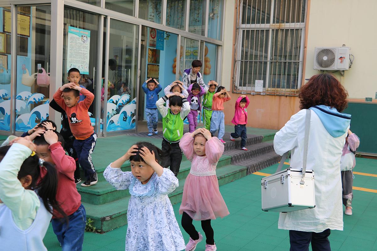 龙口市市直第二幼儿园举办防灾减灾日活动