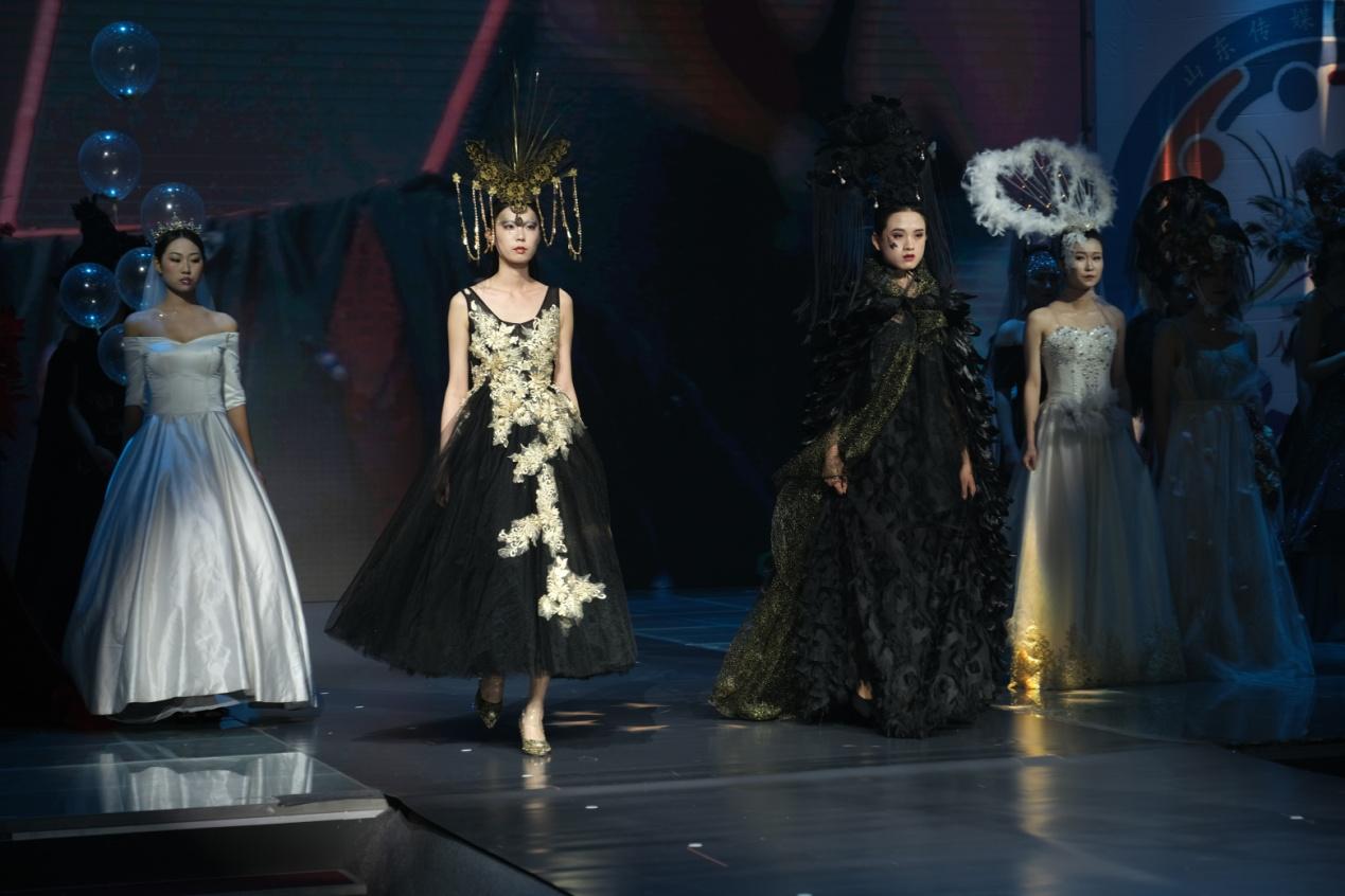 山东传媒职业学院举办人物形象设计专业毕业作品展