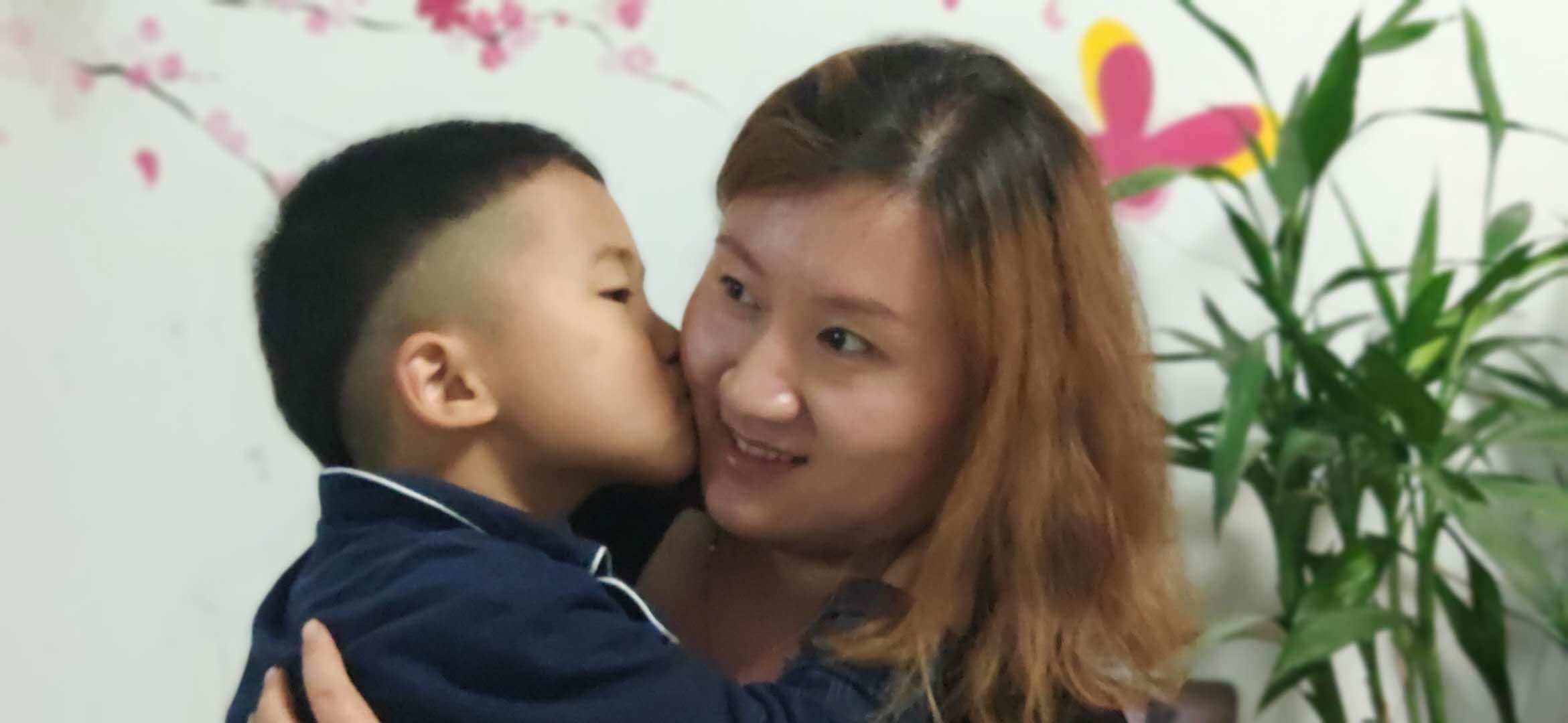 """桓台县陈庄小学感恩教育"""" 母亲节""""里话母亲"""