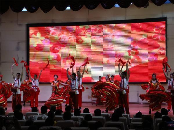 菏泽市开发区举行庆祝新中国成立70周年教职工才艺展演