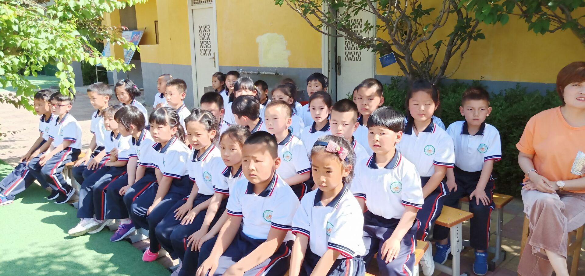 书香溢满校园,心灵徜徉书海——西张小学开展书香校园展示活动