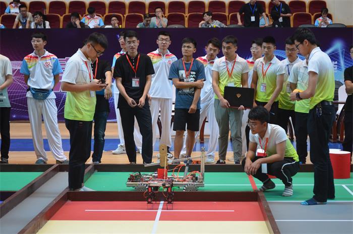 济南职业学院在第七届山东省大学生机器人大赛中斩获3项一等奖