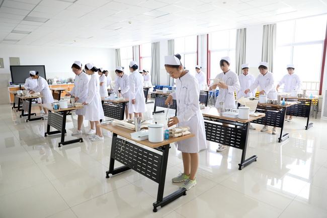 """济南护理学院自建""""模拟医院""""助推实用型护理人才培养"""
