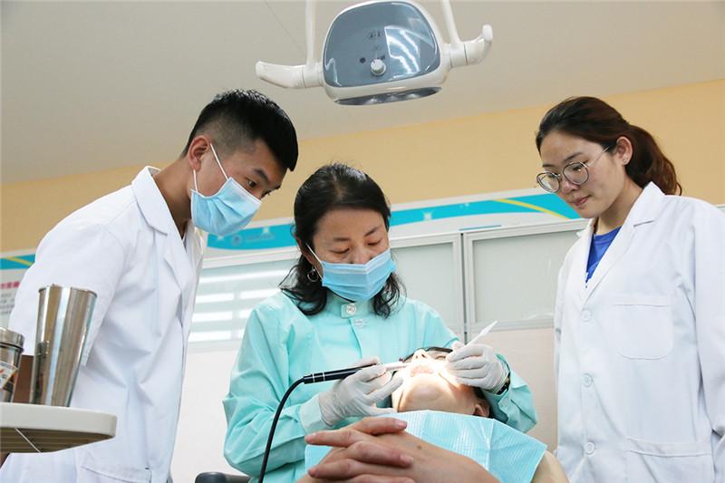 齐鲁医药学院产学研深度联动  校企合作培养口腔医学技术人才