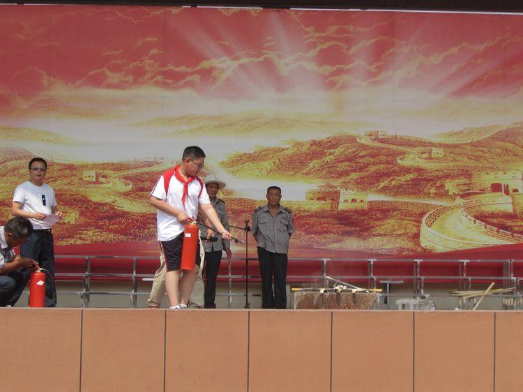 东平县佛山小学开展消防安全应急疏散演练活动