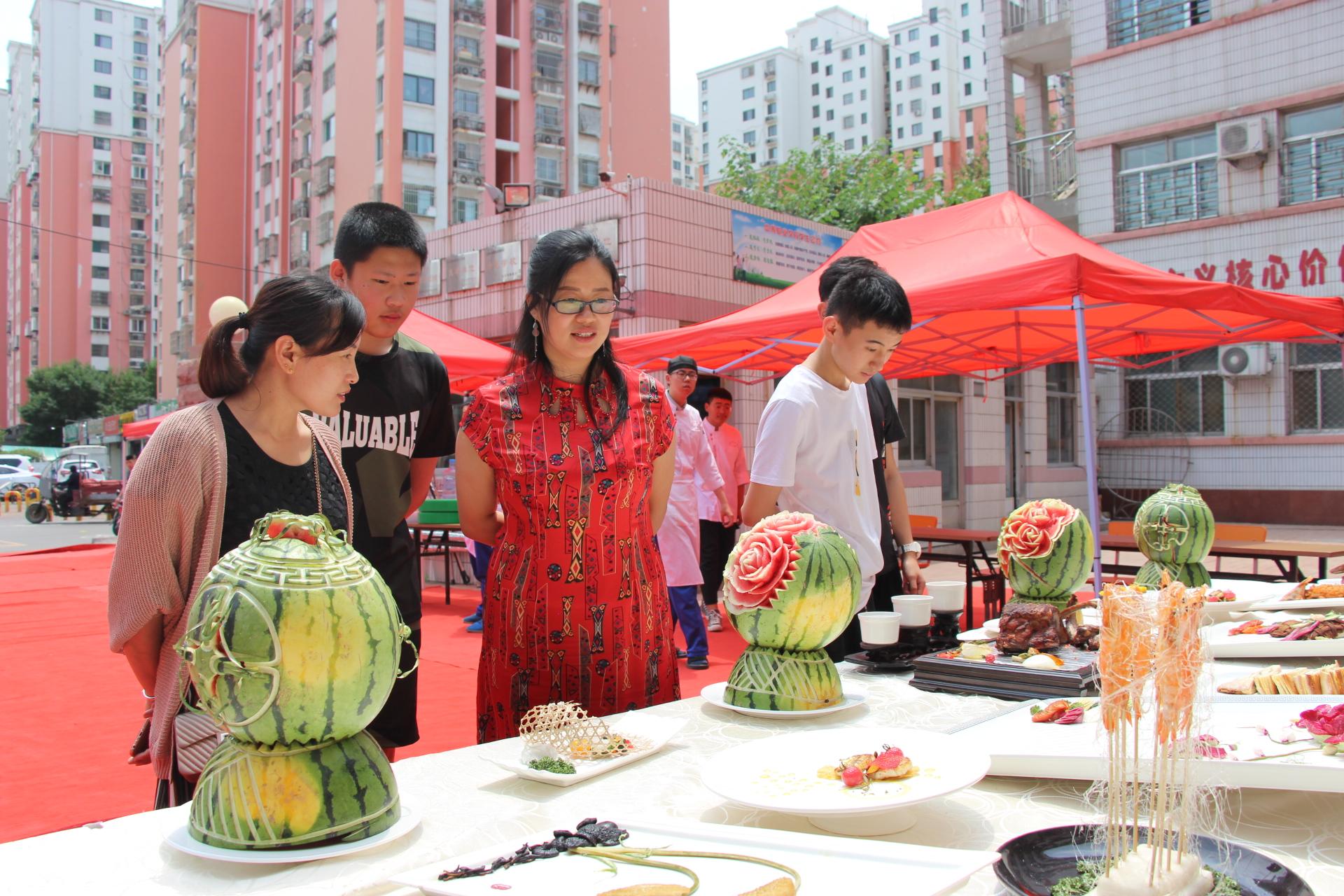济南旅游学校校园开放日 家长称职教环境好,师生风华茂