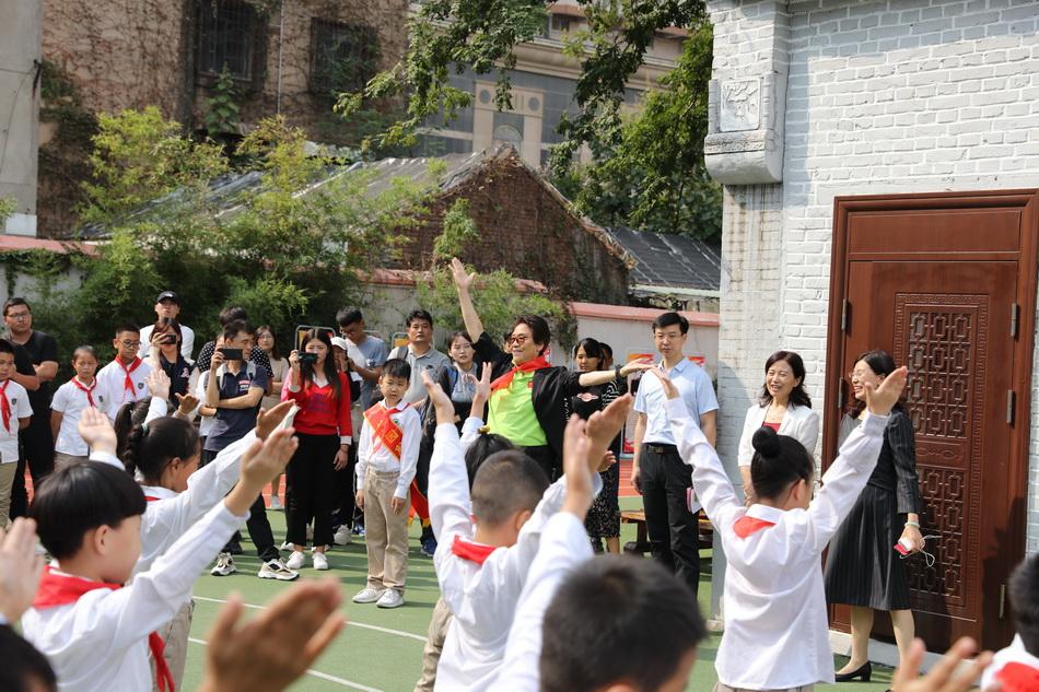 济南馆驿街小学建校70年 中国打破田径世界纪录第一人从这里走出