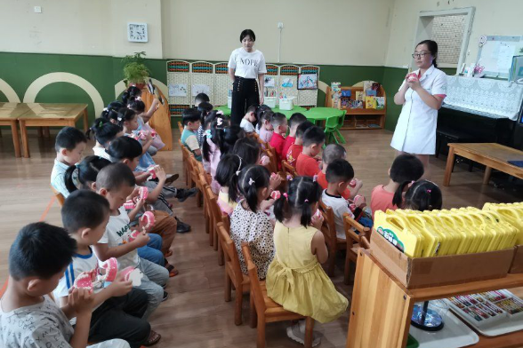 """临沂第二实验幼儿园开展""""爱牙日""""主题教育活动"""