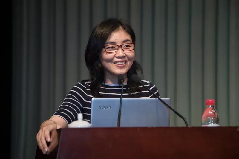 科学家颜宁登上章丘讲台 为家乡学子做励志报告