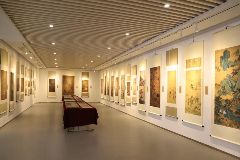 故宫博物院书画复制精品展在山东财经大学东方学院开展